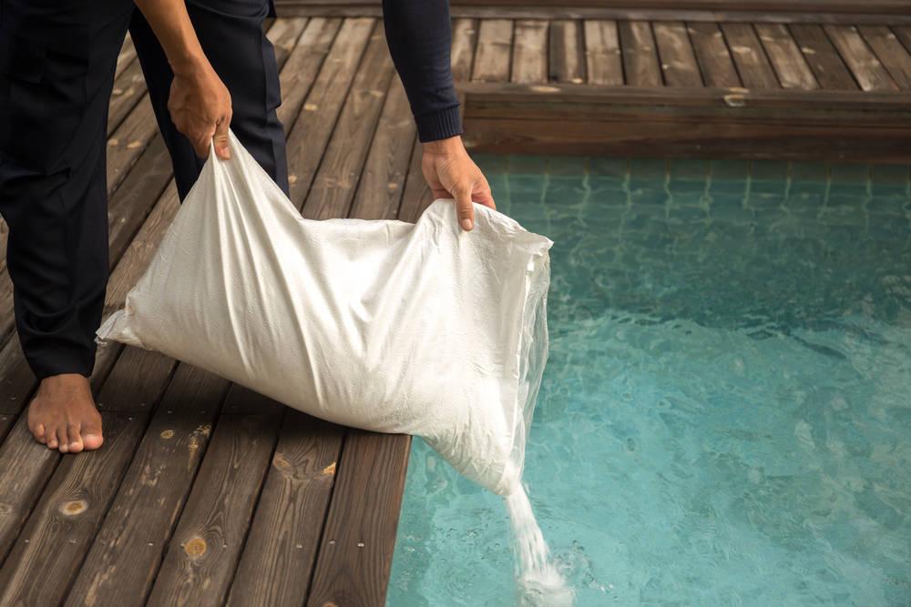 Piscinas de agua salada, más económicas y ecológicas