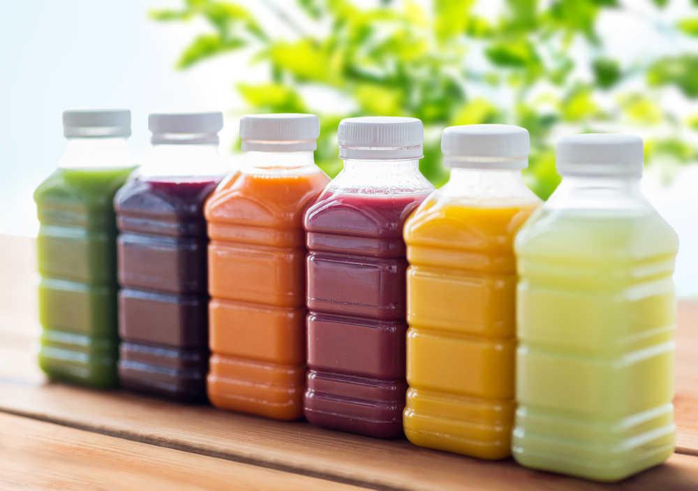 Las novedosas alternativas  a las botellas de plástico que están liderando el mercado